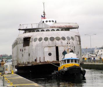 Kalakala Ferry leaves Seattle, March 2004